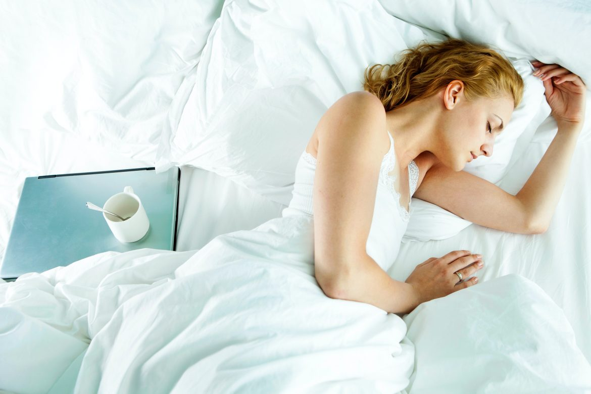 """Your Phone's """"Night Shift"""" Doesn't Really Help You Sleep Better"""