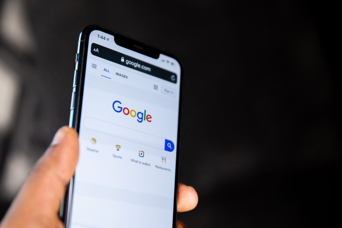 Google Supposedly Constrained Smartphone Makers to Shroud Privacy Settings